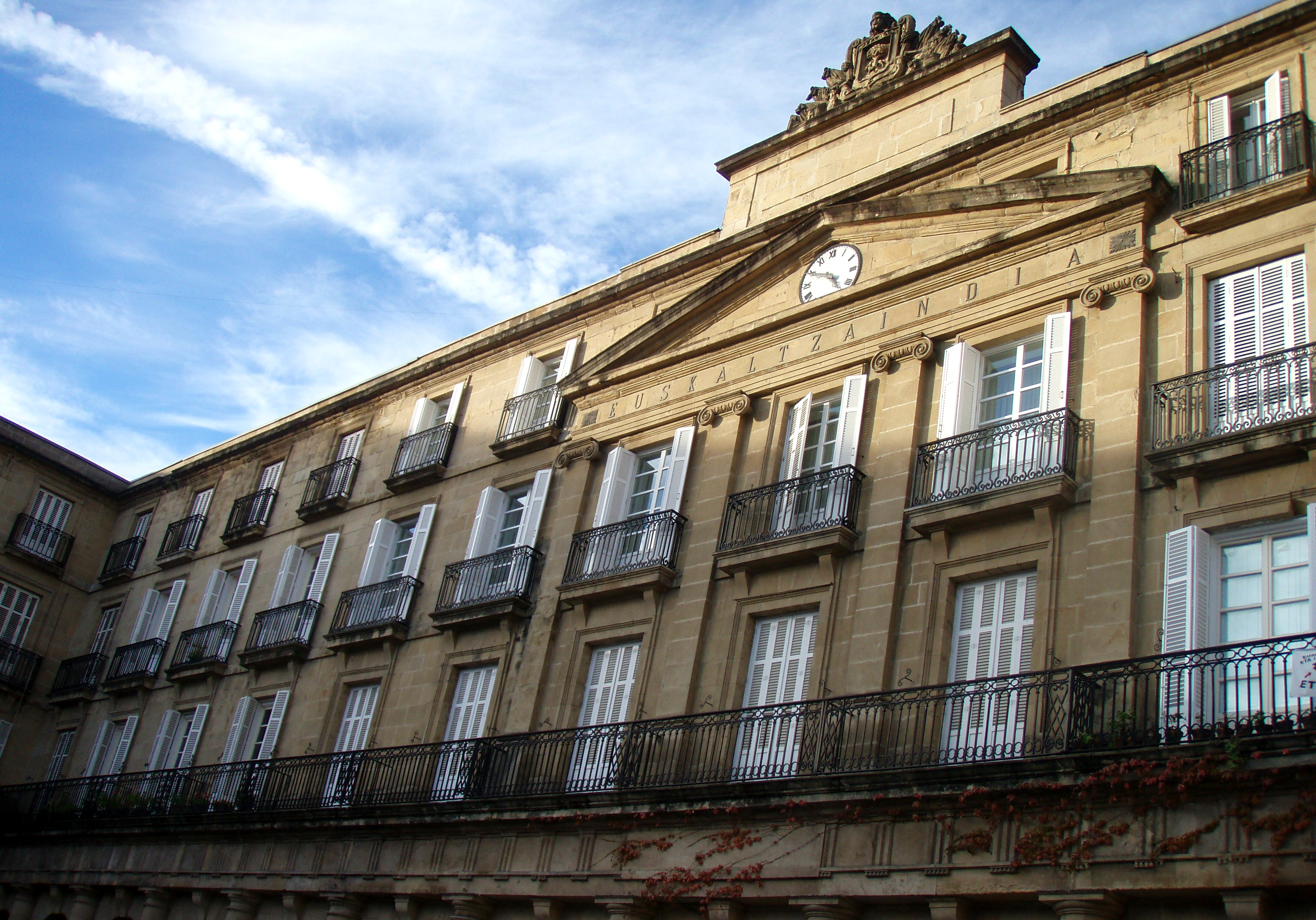Plaza Old Town Bilbao House